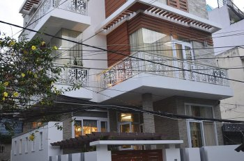 Villa Lam Sơn 8x25.NH 8m. 1 trệt 2 lầu giá 25,5 tỷ