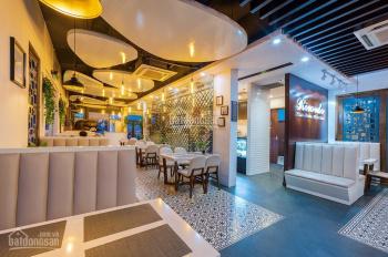Bán khách sạn 25 phòng khu Phan Xích Long, DT 137m2, giá 37 tỷ TL