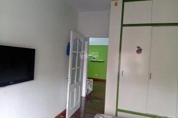 Cho thuê căn hộ cạnh công viên Cầu Giấy, 2 phòng ngủ đủ đồ, giá rẻ 8,5 tr/th. LH: 0915 651 569