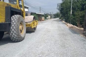 Đất nền giá rẻ, 700 triệu, 5x24m, sau chợ Hòa Khánh Nam, Đức Hòa, Long An