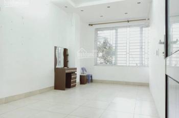 Cho thuê chung cư mini Ngọc Lâm 80m2, 2PN, đồ cơ bản 4tr/th. LH 0942229207