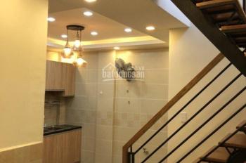 Cần tiền bán nhà phố hẻm Nguyễn Trãi Quận 1. DT 28,6m2 2PN 2WC bán giá 3,6 tỷ LH 0938974837 Thơ