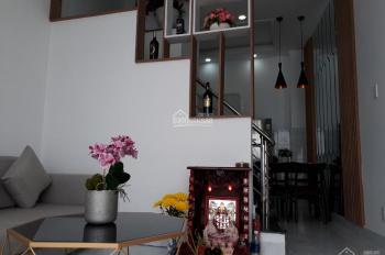 Cho thuê biệt thự nhà vườn tại đường Lạc Long Quân diện tích sd 100m2 Gía 33tr/th . LH 0969488683