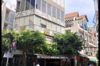 Cho thuê nhà góc 3 mặt tiền DT: 8*5m Đường Hoa Khu Phan Xích Long, Phú Nhuận giá 55 triệu. Làm Cafe