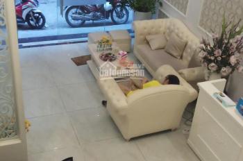 Cho thuê nhà để ở hoặc làm VP tại Đăng Văn Ngữ, DT: 70m2 x 3,5T, MT: 6m. Giá 21tr/th, 0339529298