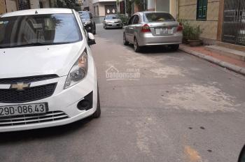 Bán nhà phố Nguyễn Văn Cừ DT 93m2 4 tầng siêu KD, siêu tiện ích, ô tô đỗ trong gara, LH: 0915316898