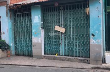 Tôi chính chủ cần bán gấp 2 căn nhà nát liền kề MT Nguyễn Hoàng Q2, giá 2.5 tỷ ko tl, dt 68m2, SHR