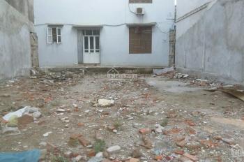 Cần tiền bán đất giá rẻ Phú Lãm 45m2 ngõ thông, vuông vắn, gía chỉ 900tr xây ở luôn