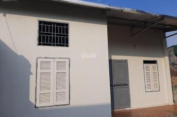 Bán nhà cấp 4 mới xây địa chỉ: Thôn Lại Hoàng, xã Yên Thường, Gia Lâm, Hà Nội, 1 phòng khách, 80m2
