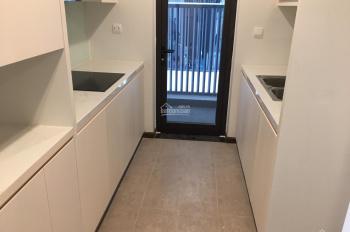 Chủ nhà cần bán căn hộ 2 ngủ cơ bản 90m2 tầng đẹp giá 4,95 tỷ, liên hệ: 098.4499.886