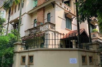 Cần Cho thuê gấp nhà mặt phố Trần Phú, Ba Đình, dt 220m2*3,5 tầng, mt 10m. giá 200 triệu
