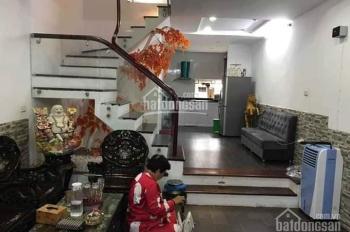 Nhà siêu hiếm phố Minh Khai 63 m2, 2 tầng, MT 5 mét, kinh doanh sầm uất, ô tô đỗ cửa, giá 2,7 tỷ