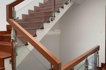 Cần cho thuê nhà hoàn thiện nội thất DT 5x21m Hầm + 4 lầu giá chỉ 25tr/th. KĐT Vạn Phúc, Thủ Đức
