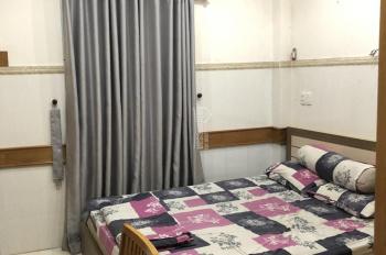 Phòng trong căn hộ đầy đủ nội thất đường Tôn Thất Tùng ngay trung tâm Q1