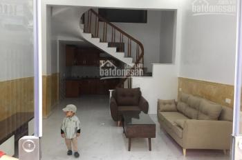 Cho thuê nhà 3 tầng, ngõ 302 văn cao : 10tr/th Lh: 0704197668.