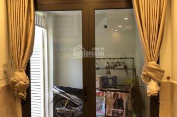 Cần tiền bán nhà phố Nguyễn Trãi Quận 1. DT 28,6m2 2PN 2WC bán giá 3,6 tỷ LH 0938974837 Thơ