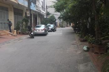 Cho thuê nhà chính chủ ngõ 603 Lạc Long Quân, Diện tích 50m2 x 3 tầng, ngõ ô tô tải đỗ cửa