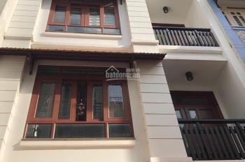 Bán nhà hẻm nhựa 8m Bành Văn Trân Tân Bình, DT: 4.1x28m, 3 lầu. Giá 12.8 tỷ LH Lan 0938.113.447