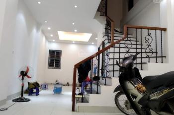 Ngay MP Tố Hữu đất đẹp nhà đẹp giá rẻ, nhà 4 tầng hiện đại, giá nhỉnh 2 tỷ, 0982247689