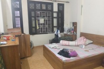Cho thuê nhà 4 tầng phố Hoàng Cầu ngõ ô tô tránh kinh doanh.