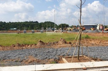 Cần bán vài lô dự án Tín Nghĩa Corp, đối diện sân golf Long Thành, mặt tiền đường 60m, 0909.440.387