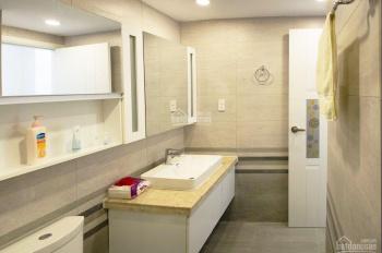 Cần bán gấp căn hộ Sunrise City Quận 7, view hồ bơi, có ban công hoàn thiện nội thất đẹp