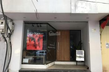 Cho thuê nhà mặt phố Triệu Việt Vương, DT 50m2 x 4t, MT 5m. Nhà thông sàn riêng biệt. LH 0974739378
