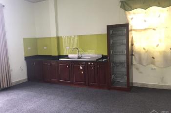 Cho thuê phòng tầng 6 phòng khép kín, S: 40m2 Tôn Thất Tùng, giá 4.700.000 đ/th