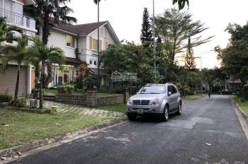 Gia đình chuyển công tác nên cần bán gấp biệt thự Thảo Nguyên Sài Gòn Q9, giá: 10 tỷ TL