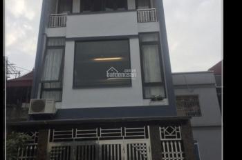 Bán nhà phố Trương Định dt 61m2 x 3 tầng mt 4m nở hậu giá bán 2.8 tỷ - Cần bán gấp