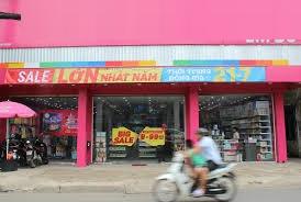 Cho thuê mặt bằng 10x30m MT đường Trường Chinh, Phường 15, Tân Bình