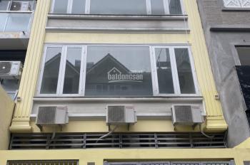 Cho thuê nhà quận Hoàng Mai DT 140m2 x 5T, thang máy, điều hòa đầy đủ