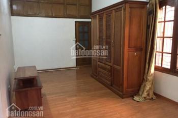 Cho thuê căn hộ tập thể khu Bà Triệu - Hàm Long