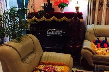 Cần bán nhà có sẵn trong khu Beverly Hill Lương Sơn, Hòa Bình, DT 275m2, full nội thất, giá 2 tỷ