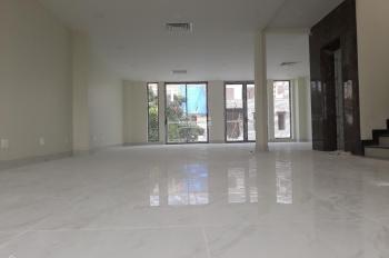 Biệt thự sàn suốt p. Bình An, 8*20m, hầm, 3 lầu, ST, thang máy 120 triệu bao VAT, LH: 0933745397