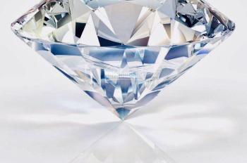 Ưu đãi hấp dẫn cho nhà đầu tư nhận ngay viên Kim cương và con chuột vàng 9999