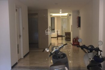Nhà rẻ cực đẹp mặt phố Phó Đức Chính 80m2x2 tầng, MT 4,5m giá 15tr/th thích hợp KD thời trang