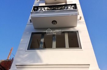 Bán Nhà phố Bảo Ngọc Garden, 1 trệt 4 lầu có thang máy gia đình nằm trên trục đường Hà Huy Giap