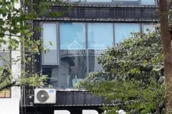 Bán nhà mặt phố Đào Tấn, 52m2, 5 tầng, mặt tiền: 6.5m, giá: 22 tỷ 800, Mr Hùng: 0968932199