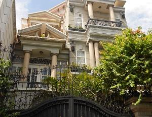 Villa Quận 1, ngang 8m, ngay Nguyễn Bỉnh Khiêm - Mạc Đĩnh Chi giá bán 29.9 tỷ cho thuê 150 triệu/th