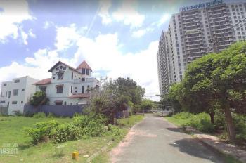 Bán biệt thự 2 MT đường Đỗ Xuân Hợp, Q9. DT: 25x22m, hầm, 3 lầu, hồ bơi, sân vườn, Đài Vọng Nguyệt