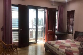 Cho thuê gấp liền kề full đồ tại Văn Cao   , Ba Đình .  DT: 100 m * 4 tầng . MT: 10 M .