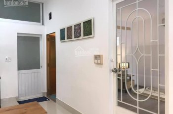 Cần cho thuê nhà KD VP, trường học, café, trà sữa MT Nguyễn Chí Thanh, p6, Q10, 4 x 25m, 6 tầng