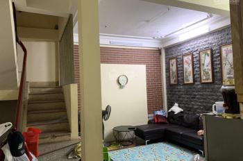 Tôi cần cho thuê nhà 4 tầng tại Nguyễn Trãi, giá 15tr/tháng. 0982 951 349