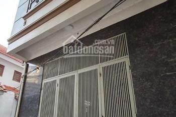 bán nhà phố khương trung 45m2 xây 4 tầng MT 4.7m giá rẻ 2,35 tỷ Lh 0979685185