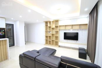 Cho thuê gấp căn hộ 3 PN full đẹp 102m2 tại D'capitale Trần Duy Hưng 28tr/th. LH 0388428982