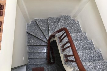 Chính chủ bán nhà 325 Kim Ngưu(thông 156 Lạc Trung) 35m 5T nhà xây được 2 năm giá 2,6 tỷ