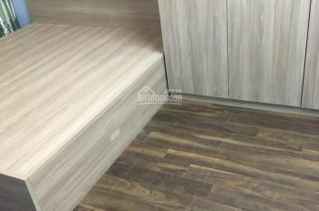 Bán căn hộ chung cư cao cấp, thang máy ngõ 120 Hoàng Quốc Việt. DT 68m2, 2PN, 2 VS, giá 1,9 tỷ