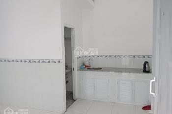Cần bán dãy trọ 8 phòng Song Hành,quận 12, DT 140,thu nhập 14tr/thág sổ  hồng chính chủ 0372371865.