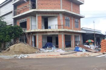 Cần bán gấp căn nhà mặt tiền đường lớn ngay trung tâm thành phố mới, giá từ 2 tỷ, SHR - 0776138747